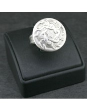 Tolstoy Ring